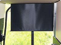 Fijación flexible de las persianas de la ventana del portón trasero.