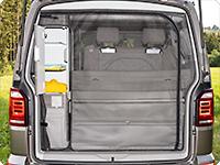 El nuevo FLYOUT para la apertura del portón trasero asegura un acceso rápido a las bandejas portaobjetos del armario del maletero.