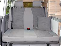 """Second Skin para el banco trasero de 2 asientos VW T6.1 California Ocean/Coast en el diseño """"Circuit/Palladium"""""""